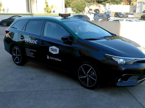 Auris_Taxi