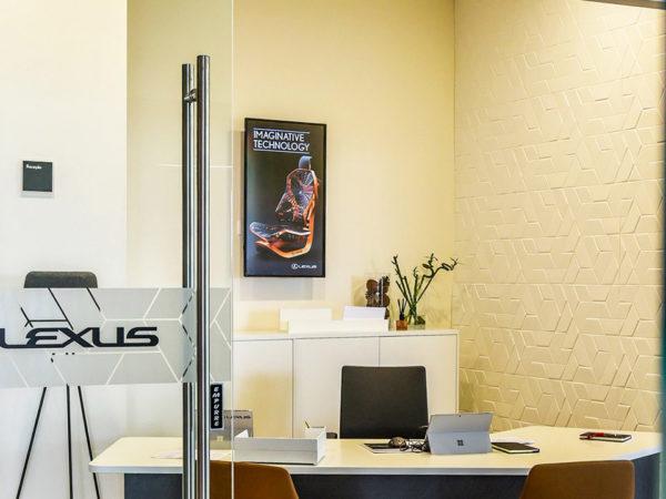 Stand_Lexus_Sintra