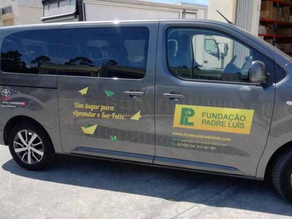 Decoração da Toyota ProAce - Fundação Padre Luís